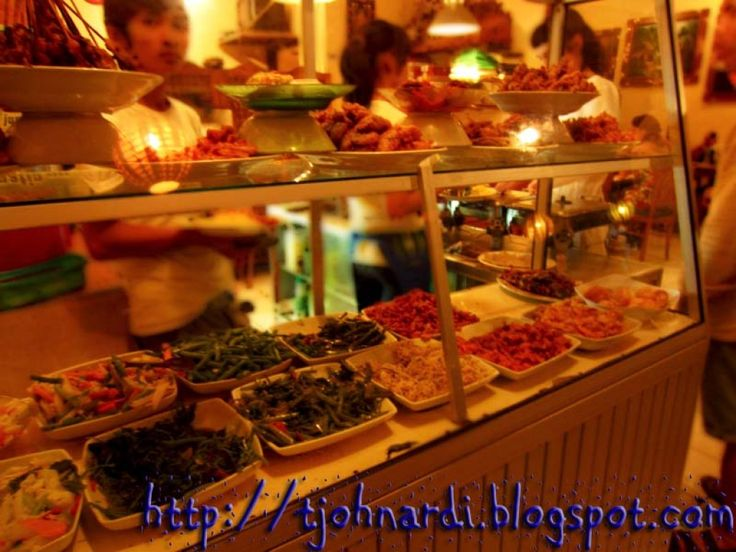 5 Cheap & Cheerful Places to Eat in Kuta, Bali
