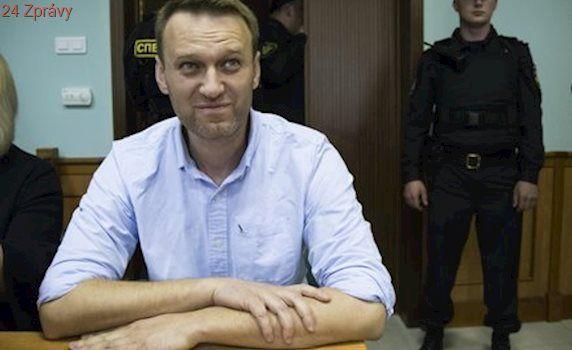 Putinova soka Navalného propustili z vězení. Seděl za pořádání demonstrací