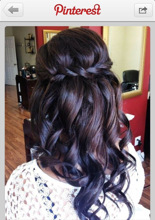 1/2 up 1/2 down. Perfect #weddinghair