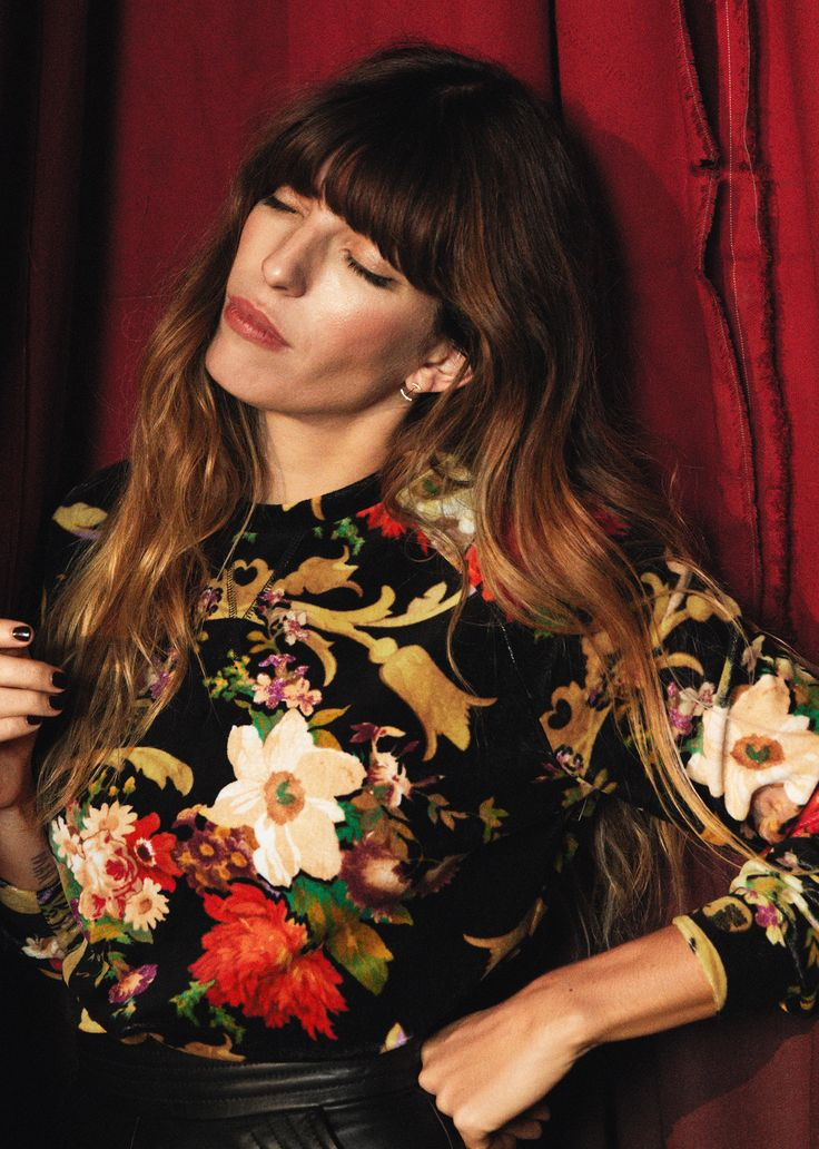 Selfmade Experts: Lou Doillon is the face of the Celebration Collection by & Other Stories. She talks to us exclusively about beauty tricks and her love of short stories