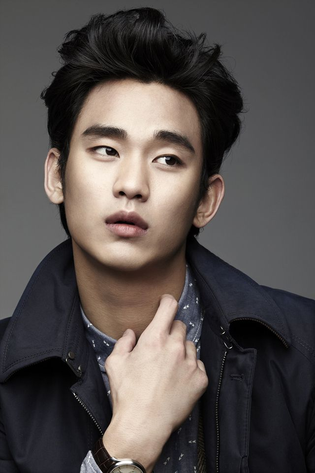 Kim Soo Hyun--has this hair been pinned here before?--I shall call it the Bye, Bye Birdie Bouffant.