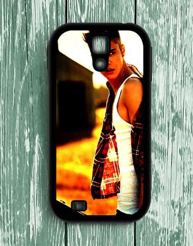 Justin Bieber With Red White Costum Samsung Galaxy S4 Case