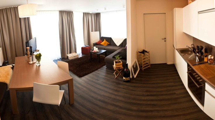 STOCK TEAM APPARTMENTS! <3