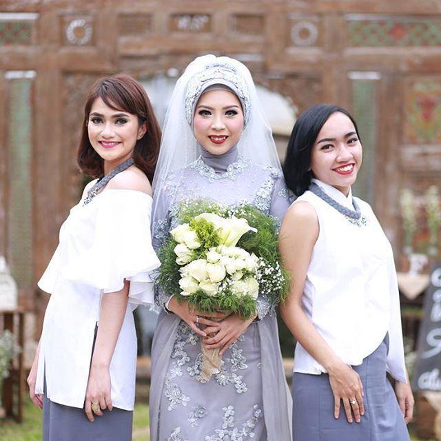 #atrifalah #bridesmaids #wedding #muslimbride #hijabbride