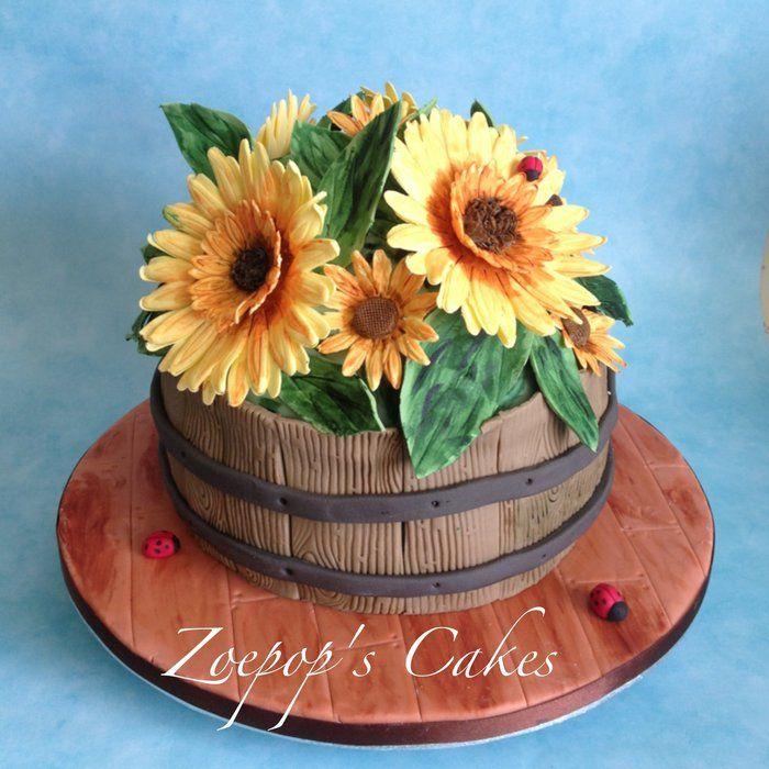 Sunflower cake with tutorial. - by Zoepop @ CakesDecor.com - cake decorating website