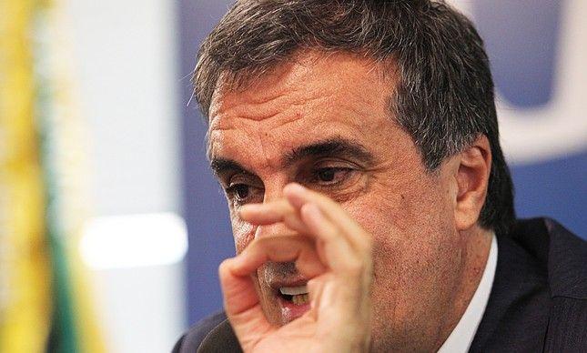 Cardozo cita 'Tomás Turbando' em defesa de Dilma
