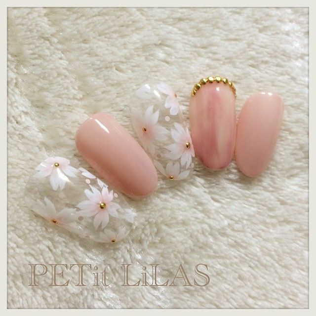 "awesome 指先に開花宣言!自宅でもできちゃうピンクの""桜ネイル""が次は絶対可愛い"