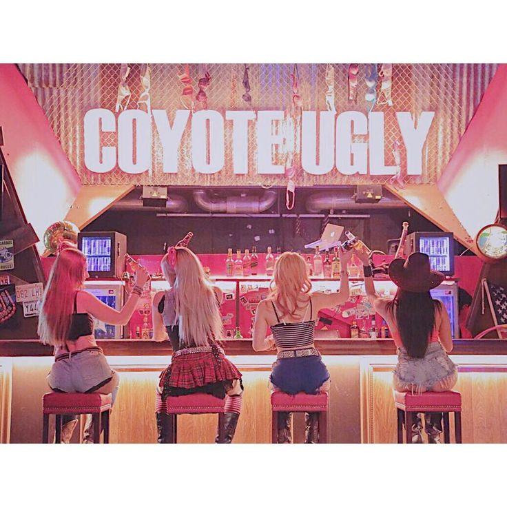 土曜日はハイボールが700 . . . お待ちしてます . #coyoteugly #coyoteuglysaloon #roppongi #tokyo #dance #dancer #music #dj #drink #drunk #girl #happyhour #beer #bar December #cristmas #smirnoff #bartender #rock #六本木 #コヨーテアグリー #コヨーテアグリー六本木 #コヨーテアグリーサルーン #ハイボール