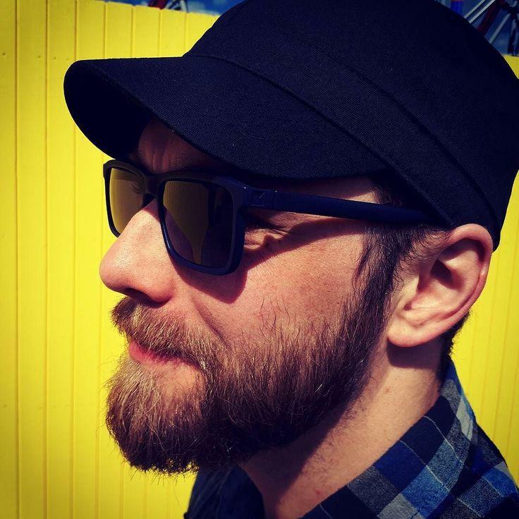 Stevie Doe in midnight blue and a  sunny day in Tampere #kokosomeyewear #kokosomshades #stevie #tampere #3dprinting #3d-printedeywear