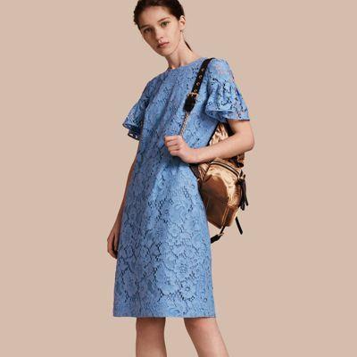Кружевное платье с оборками на рукавах Васильковый