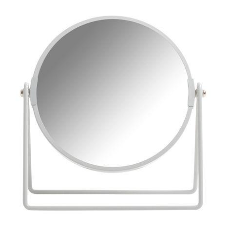 Speil LILLY grå. 17x20 cm. Tosidig bordspeil med naturlig speilglass på den ene siden, og speil som forstørrer 3X på den andre. Finnes i flere ulike farger.