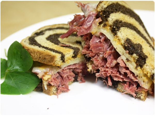 Slow Cooker Corned Beef Sandwiches} - did not use the slow cooker ...