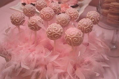 cake pops decorating idea -pink feather base