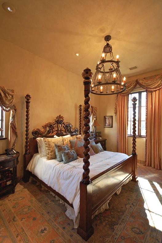 Best 20 spanish bedroom ideas on pinterest spanish for Spanish style bedroom