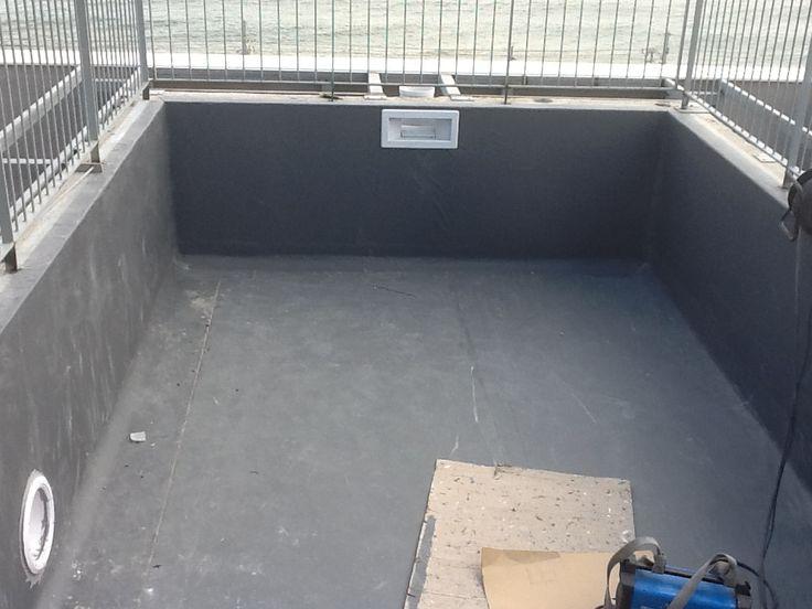 Vaso de piscina prefabrica con bloques de acero for Vaso piscina