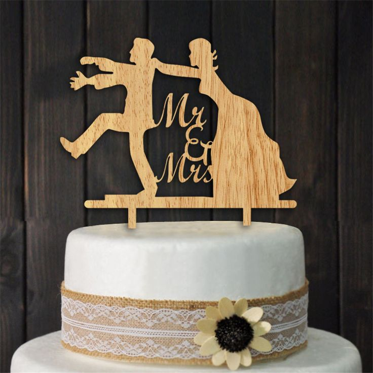 funny wedding cake ideas best 25 wedding cake toppers ideas on 14570