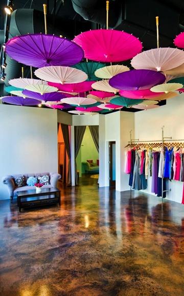 118 best umbrellas parasols bumbershoots images on for Boutique decoration