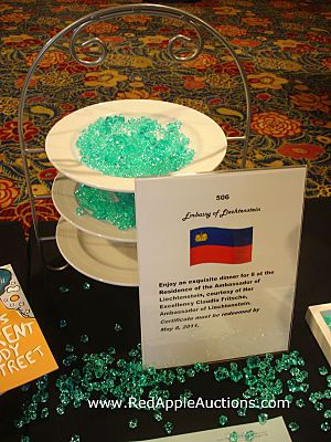 fundraising auction tips use glass beads to help color coordinate your auction tables