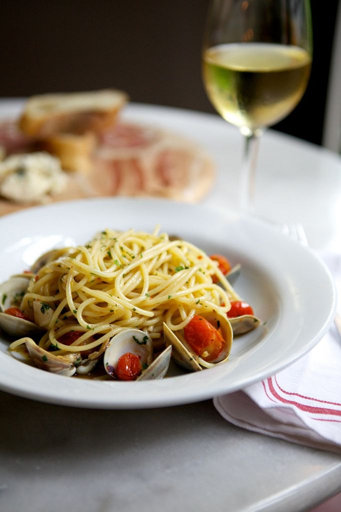 linguini with clams and chilled white wine...my next recipe