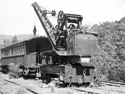Travelling crane stored at Newnes