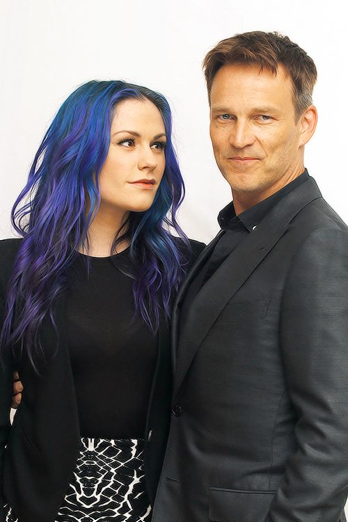 Anna Paquin & Stephen Moyer. I love them together and they look so in love, but at the same time the blue hair makes her look like his daughter..