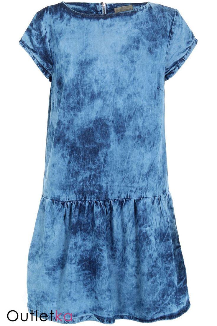 Sukienka jeansowa firmy Atmosphere. Na krótki rękaw. Odcinana w pasie, dół lekko rozkloszowany. Sukienka posiada dwie kieszenie po bokach. Z tyłu zasuwana na zamek. Sukienka z kompletem metek.