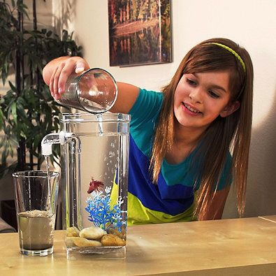 Love your pet fish but don't like to disturb them when its time to clean the tank? Then the MY FUN FISH Self-Cleaning Fish Tank is perfect you! This freshwater aquarium conveniently cleans itself whenever you add water thanks to gravity clean technology.