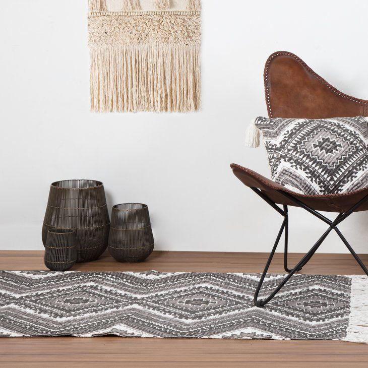 Mithun Handwoven Cotton Dark Grey Rug. Modern design rug with tassel trim A unique blend of hand woven and hand printing technique, boho pattern.