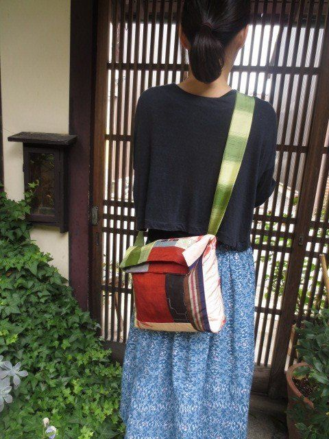 着物リメイク斜め掛けバッグ☆蝶の柄や和の赤で大人のおしゃれ