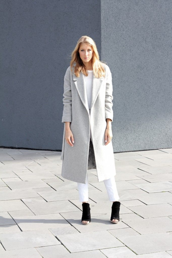 Outfit: COS grey long coat, white jeans and shirt and balenciaga heels.