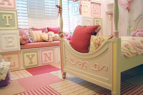 What a cute room. Wood blocks on the walls are so cute.: Girls Bedroom2, Fantastic Kids, Bedrooms Girls, Cute Kids, Letters Blocks, Bedrooms Fit, Little Girls Rooms, The Block, Kids Rooms