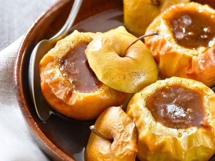 Découvrez la recette Pommes au four et carambar sur cuisineactuelle.fr.