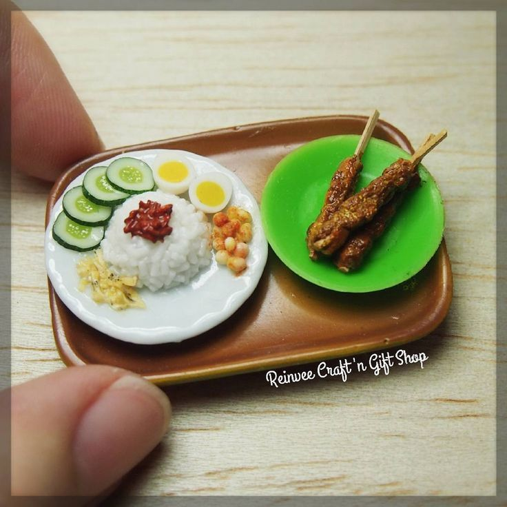 Malaysian traditional food nasi lemak #clay #miniature #clayminiature #claycraft #craft #handmade #tiny #foodminiature #fakefood #clayfood #airdryclay #miniaturestuffs #miniatur #miniaturclay #miniaturlucu #miniaturmurah #kado #carikado #souvenir #souvenirlucu #souvenirunik #jualan #malang #onlineshopmalang #pajangan #kreasiunik  #customorder #reinveesproducts