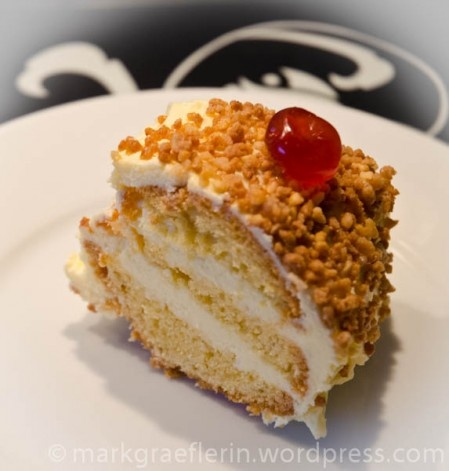 Frankfurter Kranz.... oh soo yummy --find this recipe and the best German recipes @ www.Mybestgermanrecipes.com in English