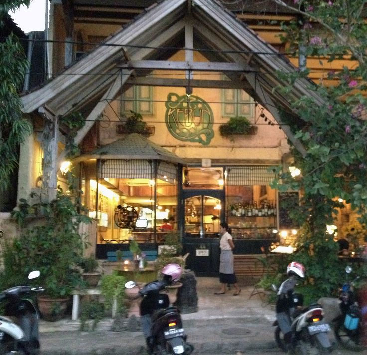 on every buying trip to bali, we go to kebun bistro in ubud!