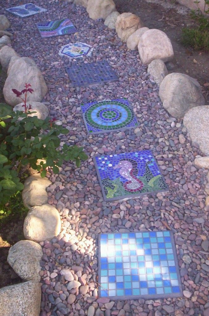 10 Landscaping Ideas For Using Stepping Stones In Your Garden: 34 Best Images About Stepping Stones On Pinterest