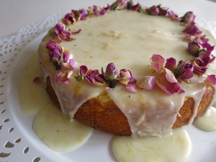 Lemon, ricotta and almond meal cake. Find the recipe at http://anniesbakehouse.com/2014/11/02/lemon-ricotta-and-almond-meal-cake/