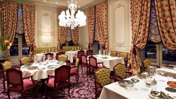 Restaurant Gastronomique Pierre Gagnaire ** à la Grande Maison Bernard Magrez salle