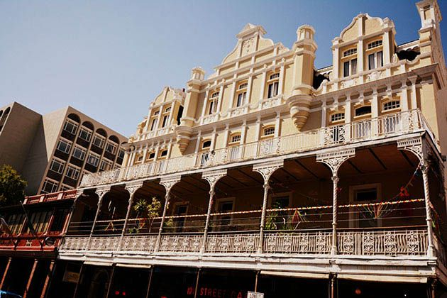 Long Street is filled with beautiful buildings and architecture that one simply cannot help but stare at. http://www.citysightseeing.co.za/