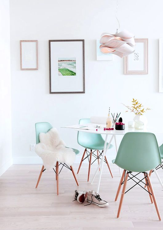 minty pastels for a cool living room
