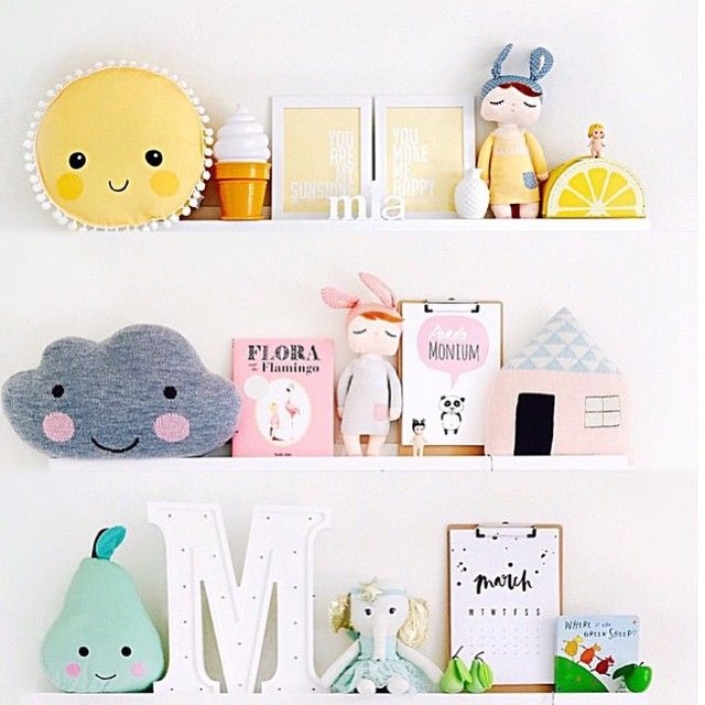 The perfect #shelfie by the talented @missmia_and_me and I spy our panda-monium print there too ✖️ #meenyminy #meenyminyprints