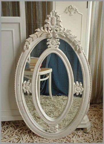 Ovaler-Spiegel-mit-Holzrahmen-im-Used-Look-IMPRESSIONEN 119,00