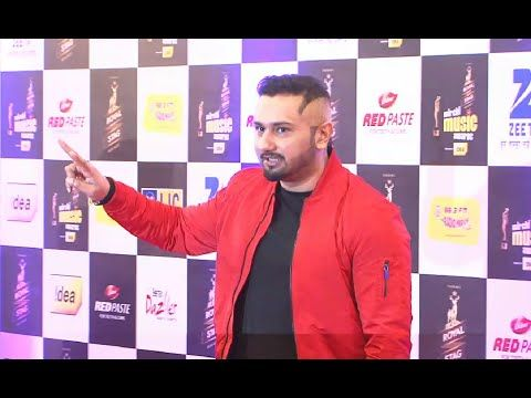 Yo Yo Honey Singh at Mirchi Music Awards 2016.
