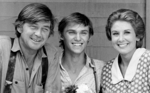 Report: Ralph Waite of 'The Waltons' fame dies at age of 85
