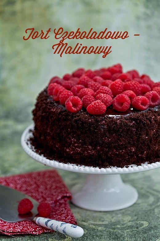 Tort czekoladowo - malinowy