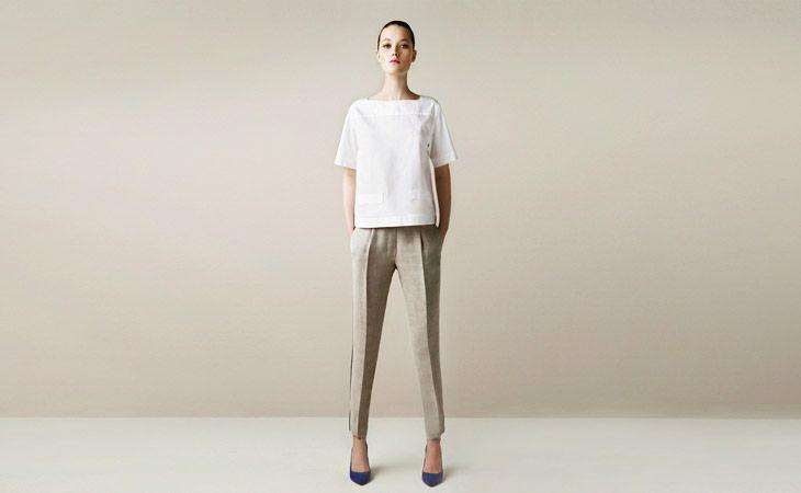 Zweiteiler im Clean-Look für Frauen, die sich durchzusetzen wissen: Popelinebluse mit Taschen 29,95, steingraue Bügelfaltenhose 39,95 Euro, beides Zara. Fotos (9): PR