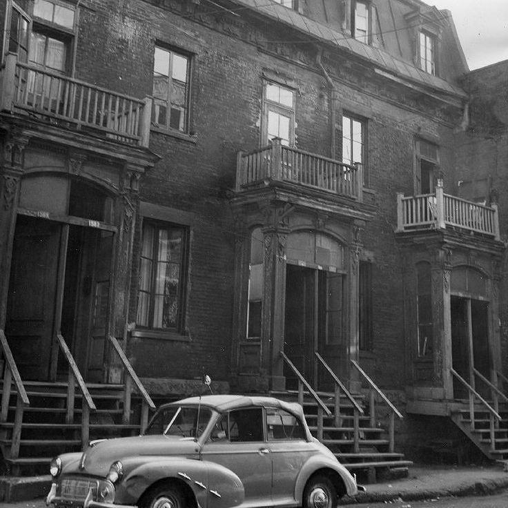 En 1957 la rue St-Dominique dans le secteur Red Light entre la rue Ontario et le boulevard de Maisonneuve. Ce même endroit est maintenant un parc. . Archives de Montréal P127D1_019 . . #514 #mtl #yul #montreal #montréal #montréaljetaime #streetsof514 #montreallife #illuminationMTL #jaimemtl #cinqcentquatorze #mtlmoments #archives #history #archivesmtl #vintage #centreville