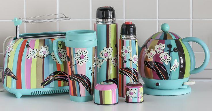 Karınca Design' ın eğlenceli ve renkli dünyasında bugünkü desenimiz Orkide...  http://www.karincadesign.com/pylones