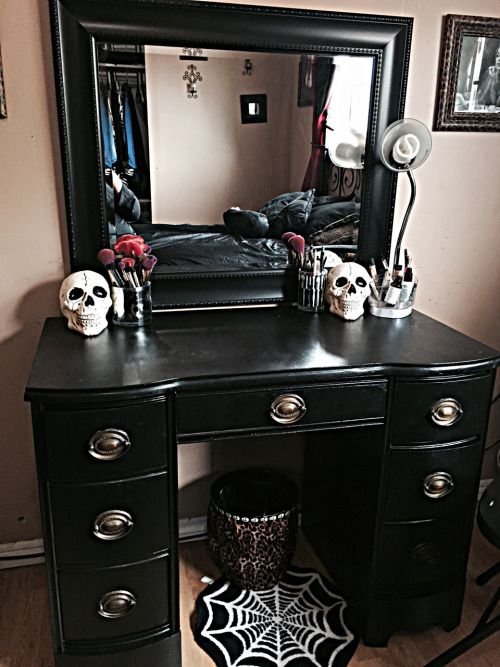 25 Best Ideas About Dressing Table Lights On Pinterest