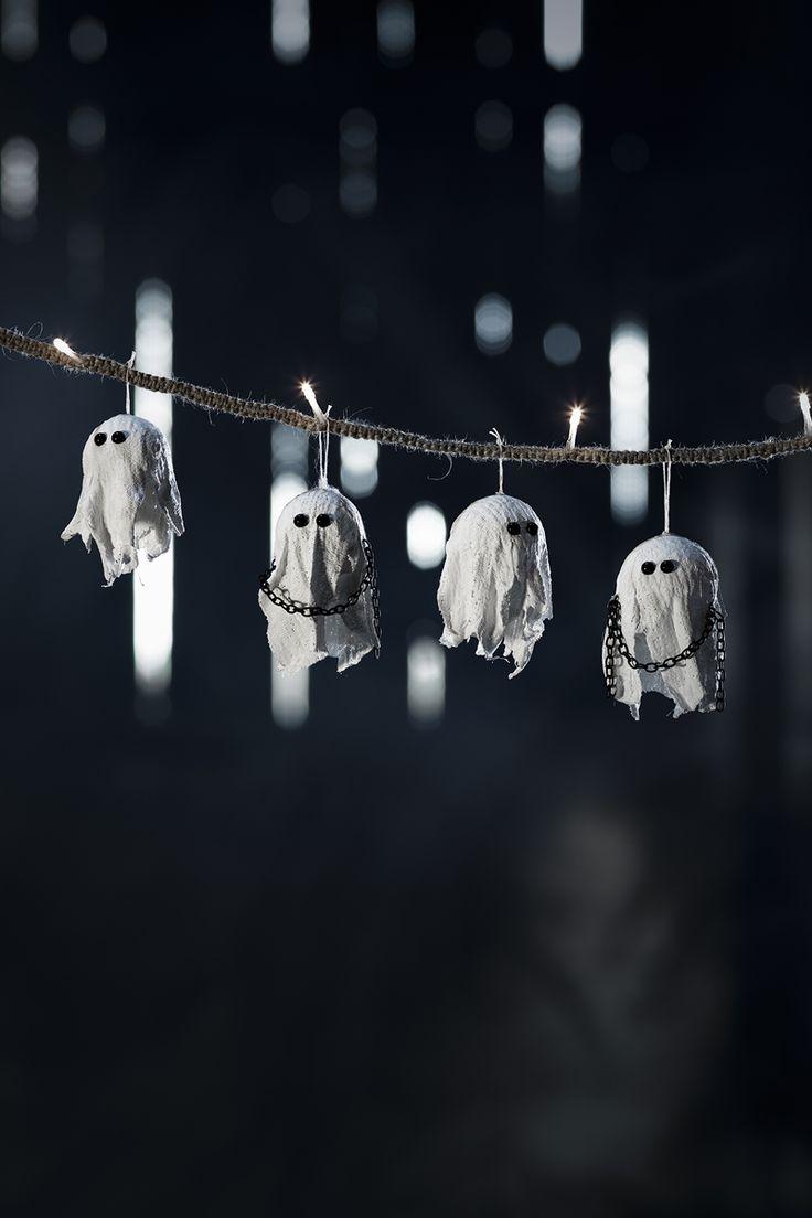 Plaster ghosts www.panduro.com Halloween by Panduro #DIY #ghost #spooky #spöken #gips #pyssel